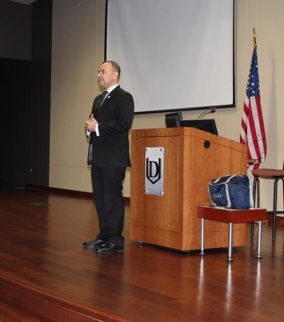 Paul de Souza, CSFI. Presenting to all competitors.